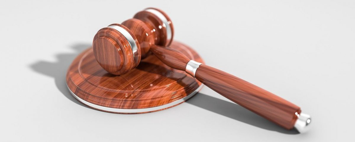 Decorative image of a gavel to represent the courts
